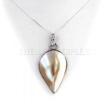 Pearlised Shell & Silver Droplet Pendant
