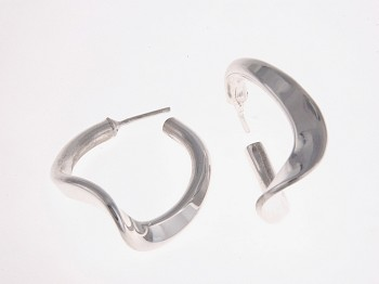 Solid Twist Hoops