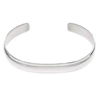 Central Ridge Open Silver Bangle - 9mm Wide