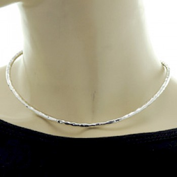 Flexible Tubed Hammered Silver Collar - 4mm