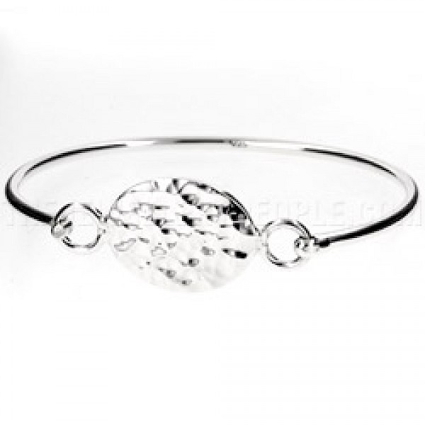 Hammered Oval Catch Silver Bangle